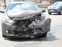 В аварии на перекрестке в центре Запорожья водитель разбил голову (Фото)