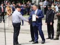 В Запорожье Аваков вручил полицейским более полусотни служебных авто