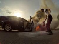 В Запорожье водитель горящего авто снял номера и сбежал (Фото)