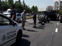 Фотофакт: водитель КамАЗа потерял на Набережной груз