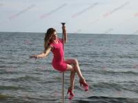На пляже запорожского курорта устроили фотосессию на пилоне