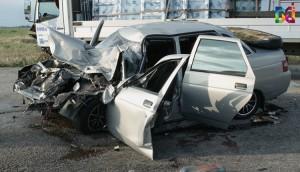 В Запорожской области легковушку смяло от удара с микроавтобусом – есть пострадавшие (Фото)