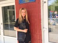 Известная актриса посетила в Запорожье родную школу (Фото)