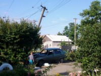 В Запорожской области водитель влетел в столб, оставив без света улицу