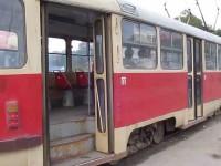 В Запорожье пассажира трамвая закололи вилами – СМИ