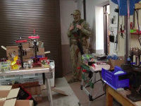 Запорожец обустроил цех по производству боеприпасов в своем гараже (Видео)