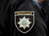 На запорожском курорте пьяные мужчины на «Жигулях» ударили патрульного и повредили служебное авто