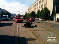 Пьяный водитель легковушки сбил возле железнодорожного вокзала мотоциклиста (Фото)