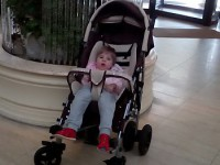 У ребенка-инвалида украли дорогостоящую коляску