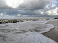 На Азовском море волны достигают одного метра