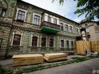 В центре Запорожья начали реконструкцию столетнего дома (Фото)