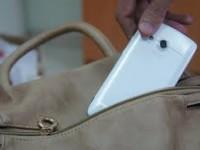 В запорожском магазине задержали переселенца, укравшего мобильный