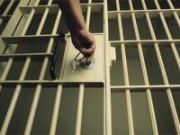 Рецидивист вырвал на улице из рук подростка телефон – суд вынес строгий приговор