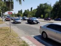 В Запорожье на Набережной столкнулись сразу 5 машин