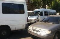 В аварии при участии трех маршруток и двух авто пострадали 14 человек