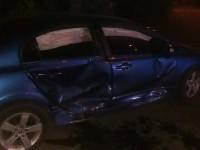В Запорожье таксист с пассажиром угодил в аварию