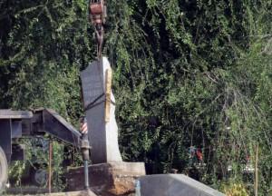 В Запорожье втихую демонтировали советскую стелу