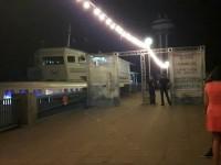 На центральном пляже Запорожья за проход на пирс требуют деньги (Видео)