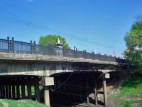 Запорожанка пыталась спрыгнуть с моста