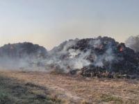 Под Запорожьем загорелись 80 тонн соломы