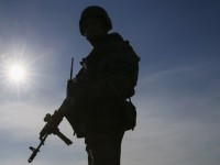 Военного, застрелившего местного жителя на учениях, подозревают в умышленном убийстве