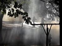 Горящие гаражи в центре Запорожья тушили несколько десятков спасателей – подробности