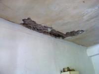 В запорожском общежитии рухнул потолок