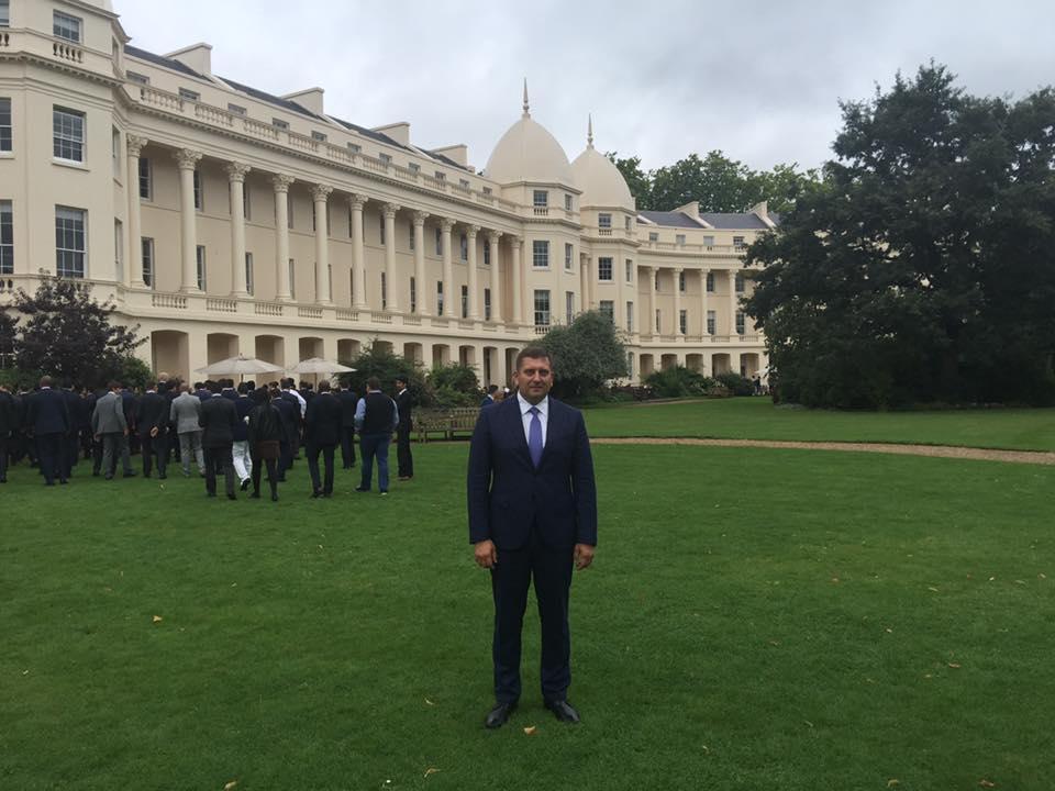 Новоиспеченный депутат Запорожского облсовета отучится в Лондоне почти за 3 миллиона гривен
