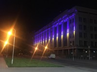 Здание суда в центре Запорожья украсили патриотичной подсветкой и отремонтируют за несколько миллионов