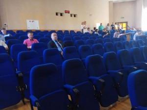 В Энергодаре большинство депутатов проигнорировали тарифную сессию, а мэр уехал в Одессу