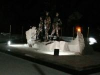 Вандалы испортили подсветку на памятнике накануне открытия (Фото)