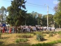 Два месяца без зарплаты: сотрудники «Запорожьеоблэнерго» вышли митинговать