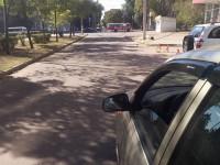 В Запорожье автомобилистам мешает проехать оборванный высоковольтный провод