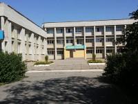 На запорожском курорте заминировали сразу две школы