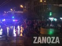 Футбольные фанаты устроили в центре Запорожья несанкционированное шествие (Видео)
