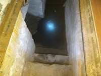 Подвал запорожской многоэтажки неделю стоит затопленный фекалиями (Фото)