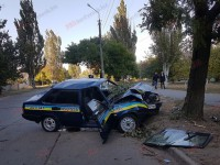 На запорожском курорте автомобиль охраны попал в аварию (Фото)