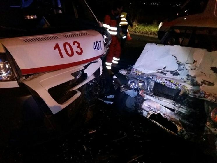 ВЗапорожье вДТП смашиной скорой помощи пострадали 4 человека