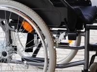 В Запорожье рецидивист украл из подъезда инвалидную коляску