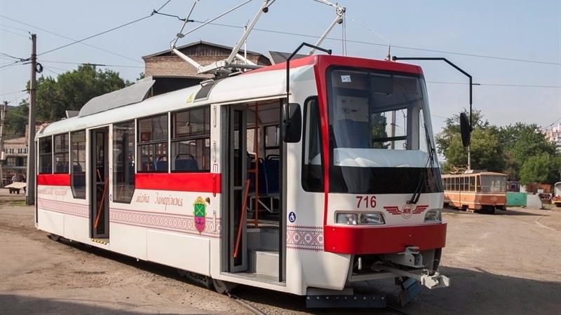 ВЗапорожье налинию вышел «патриотический трамвай»