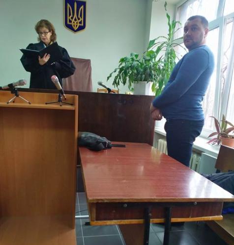 Суд отпустил милиционера, который проходил вделе против Майдана