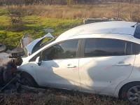 На запорожском курорте женщина снесла колодец, уснув за рулем (Видео)