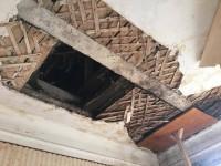 В квартире запорожанки рухнул потолок (Фото)