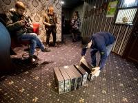 В центре Запорожья изъяли технику из зала игровых  автоматов (Видео)