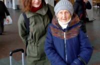 «Жизнь, как сказка»: 91-летняя запорожанка улетела в Австрию, где жила во время войны