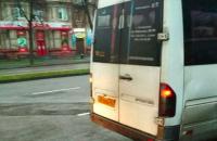 В Запорожье отстранили маршрутчика, вытолкавшего ребенка
