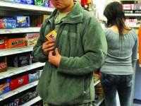 Запорожец с 8 судимостями обворовывал супермаркеты