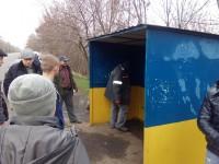 На запорожском курорте вандалы повалили новую остановку (Фото)