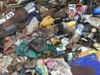 На Хортице устроили стихийную свалку мусора из машруток