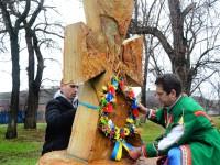 В запорожском селе установили  памятный крест в честь бойцов, погибших на Донбассе (Фото)